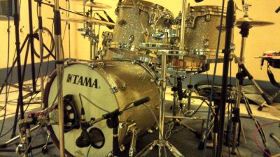 My gorgeous starclassic with the old ludwig snare. Pic and words by Pete Davies! Click to enlarge.