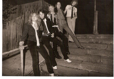 Just like the New York Dolls! – Marionette, circa 1975. (From front to back) Mel Wesson, myself, Micky Sheldon (camp & high voiced!), Paul Thomas and Simon Delatora. Click to enlarge