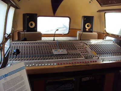 Ronnie Lane studio - click to enlarge